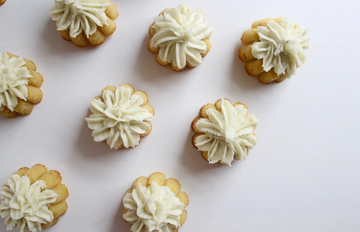 Cardamom fairy cakes with icing.jpg