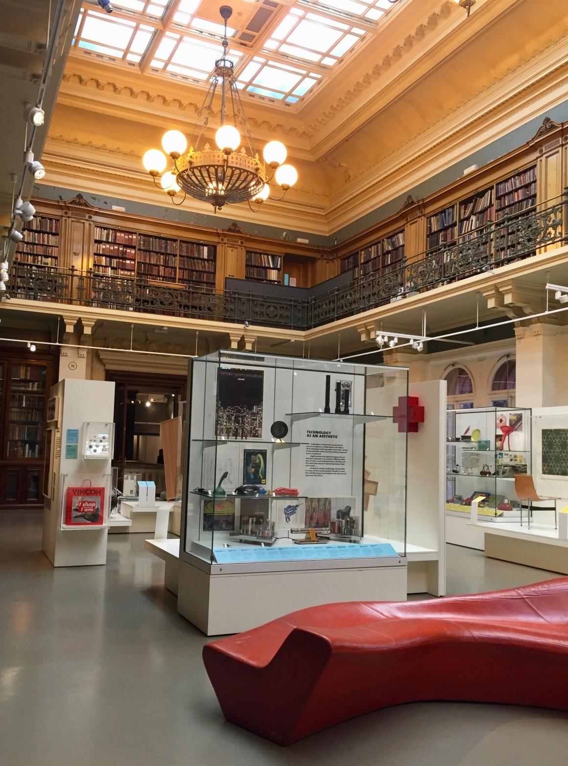 Victoria and Albert Museum.jpg