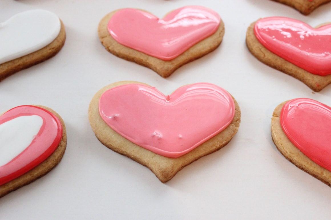 pink heart cookie with bubbles.jpg
